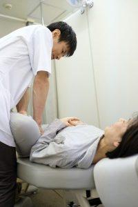 膝裏の痛みヒール豊洲